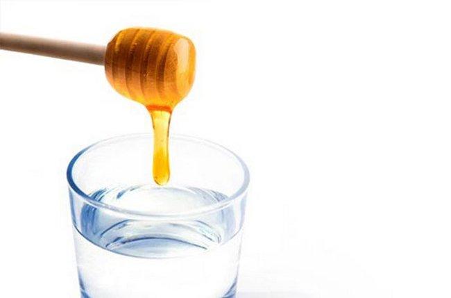 Замачивание семян в воде с медом