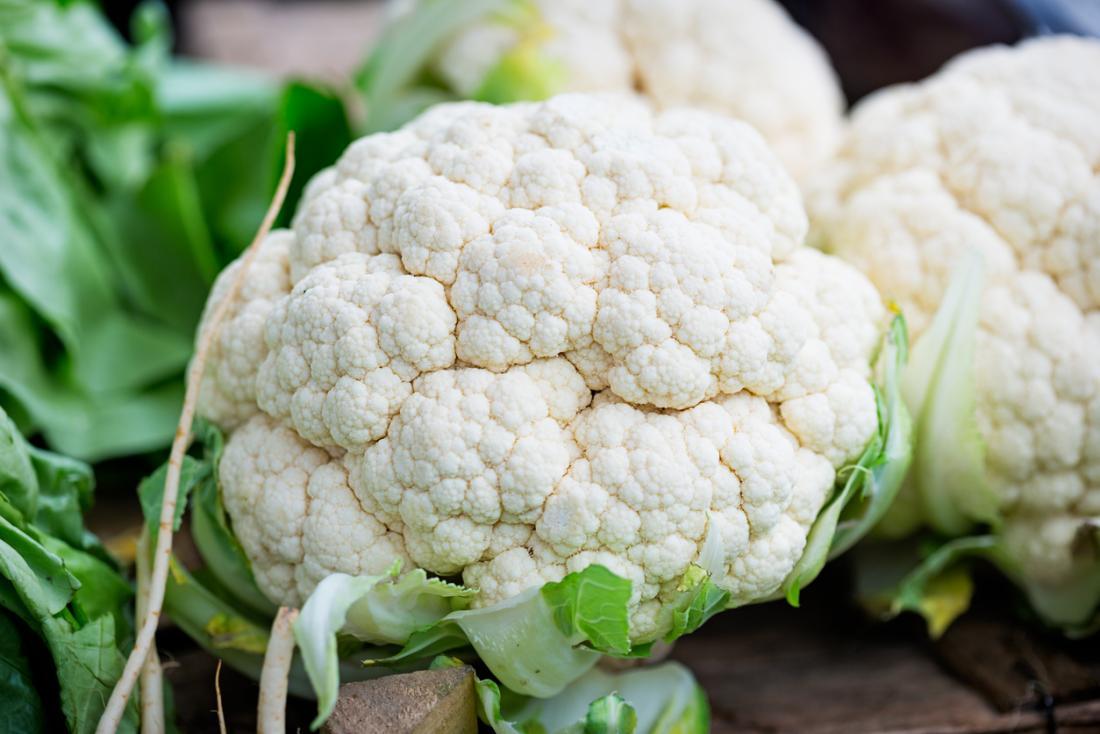 Чем подкормить цветную капусту для завязывания головок