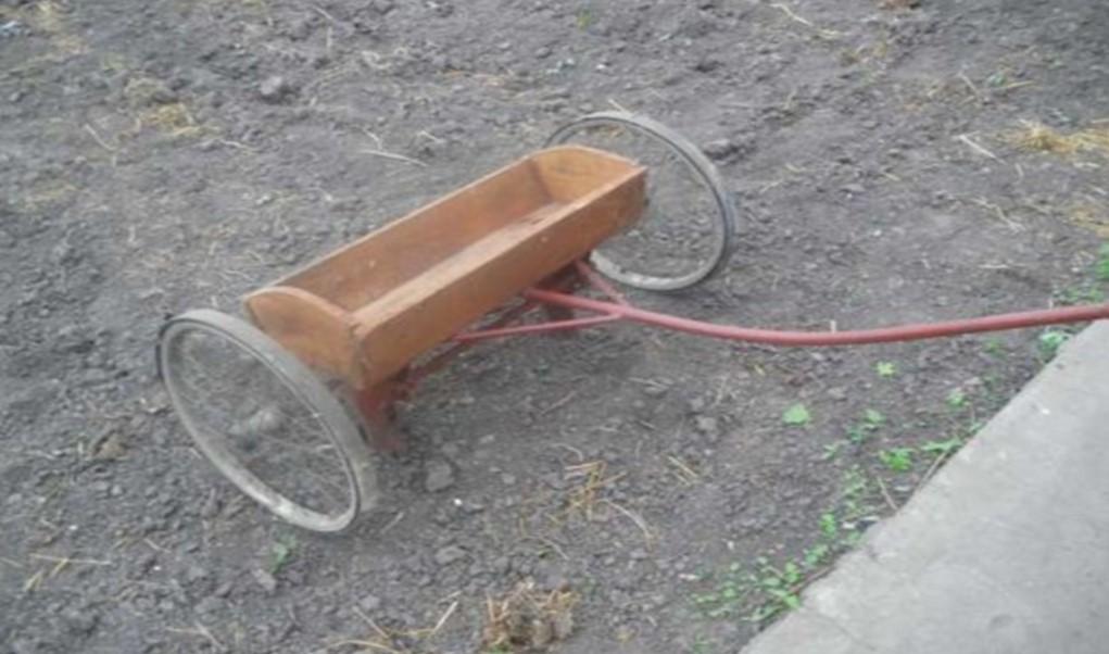 Самодельное устройство для газона